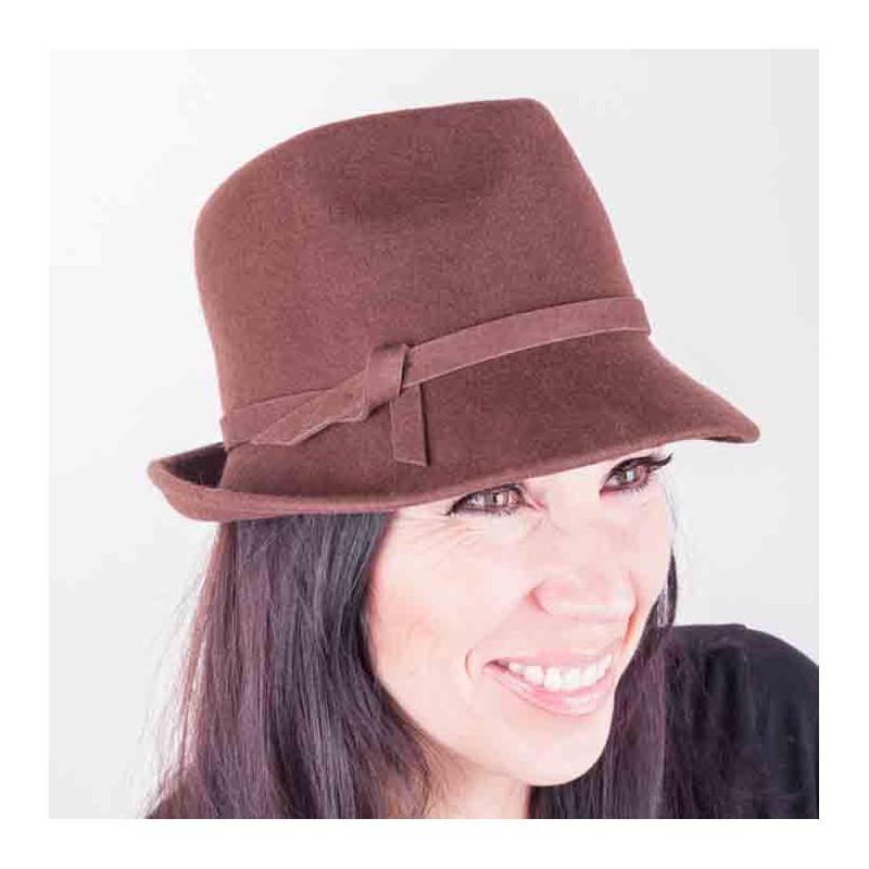 Hnědý dámský klobouk Assante 86977 17c9465752