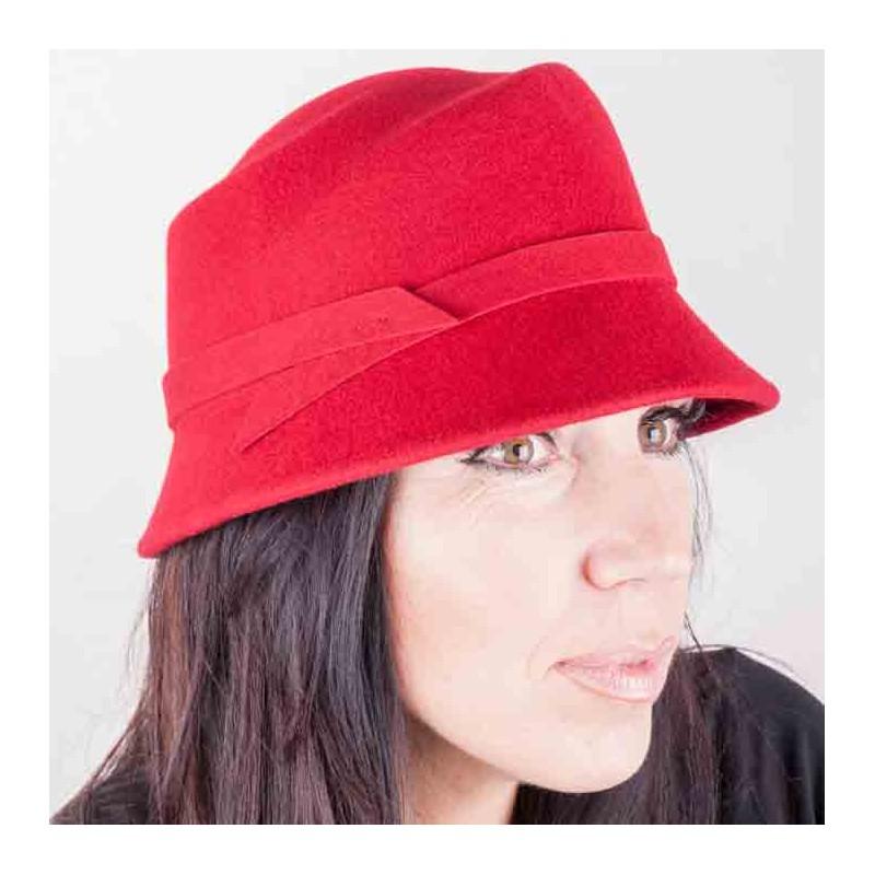 Červený dámský klobouk Assante 86984 583ea638fd
