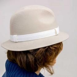Béžový elegantní dámský klobouk Assante 82901